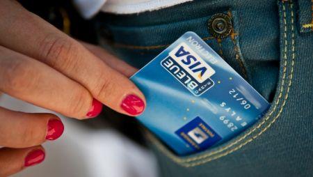 Carte De Debit Carte De Credit Quelles Differences Toneo First